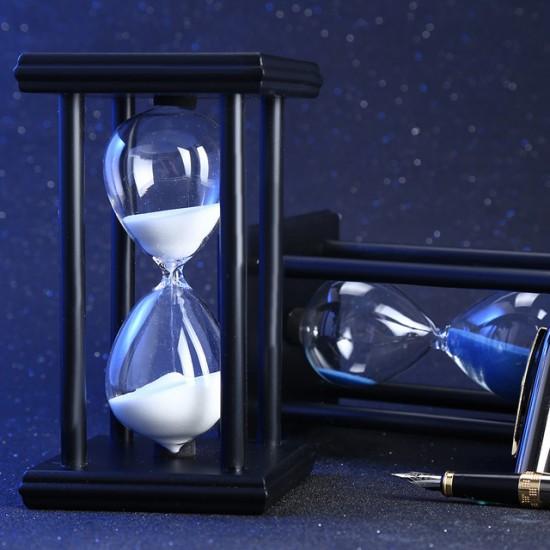 Baltas smėlio laikrodis