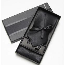 Kaklaraištis, fantazija ir sąsagos