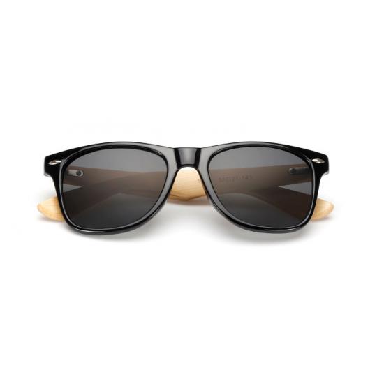 Juodi mediniai akiniai